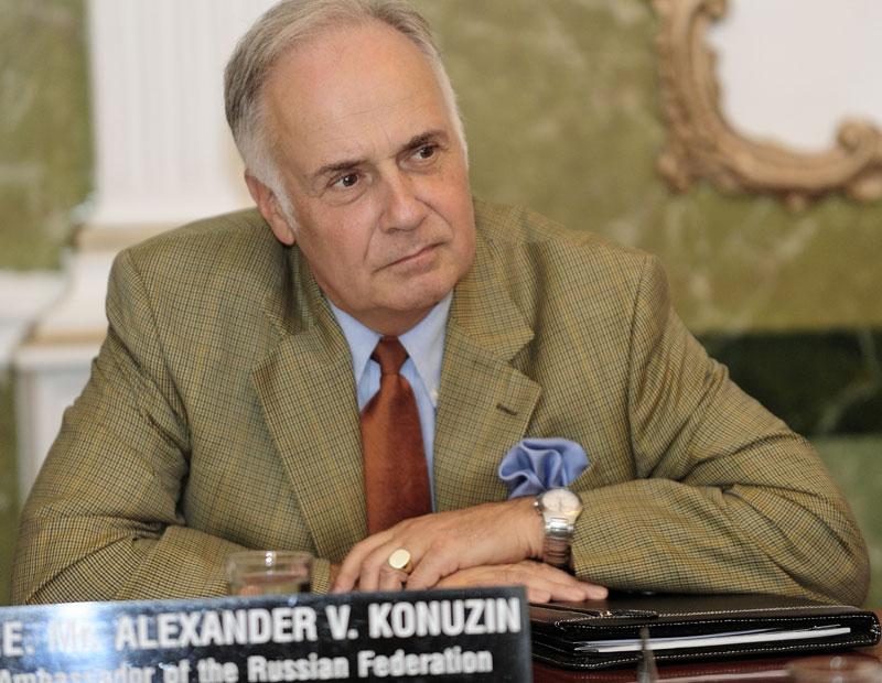 Aleksandar Konuzin je uveren da će EU tražiti od Srbije da prizna nezavisnost Kosova