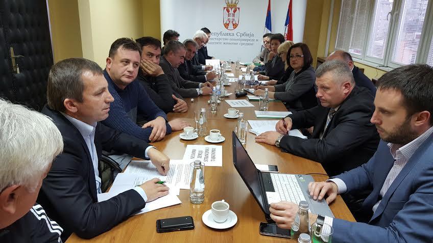 Ministarka Bogosavljević Bošković razgovarala sa predstavnicima poljoprivrednika koji protestuju