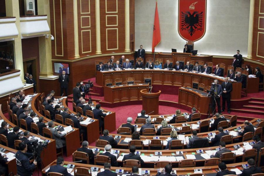 Albanija smenjuje poslanike sa kriminalnom prošlošću