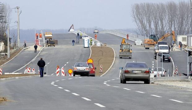 Otvorena deonica pristupnog puta mostu Mihajlo Pupin, od Ovčanskog do Pančevačkog puta