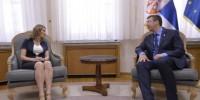 Beograd, 7. avgusta 2015 - Premijer Srbije Aleksandar Vucic (D) sastao se danas sa poverenicom za zastitu ravnopravnosti Brankicom Jankovic (L) u Vladi Srbije. FOTO TANJUG / ZORAN ZESTIC / tj
