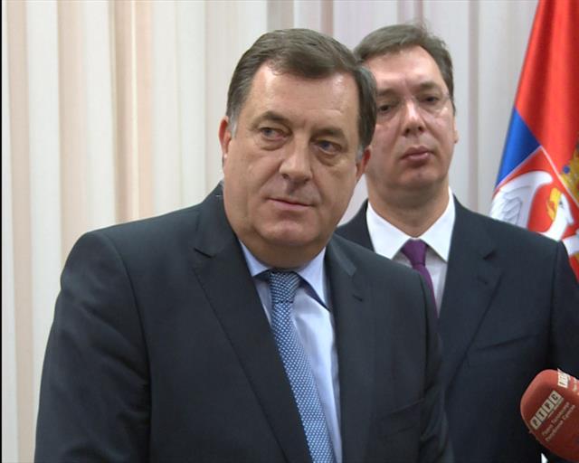 Razgovarali Vučić i Dodik i ocenili da su 2015. uspešno sarađivali