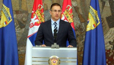 KONFERENCIJA ZA MEDIJE MINISTRA STEFANOVIĆA: OSOBE OSUMNJIČENE ZA TERORIZAM NISU POKUŠAVALE DA UĐU U SRBIJU