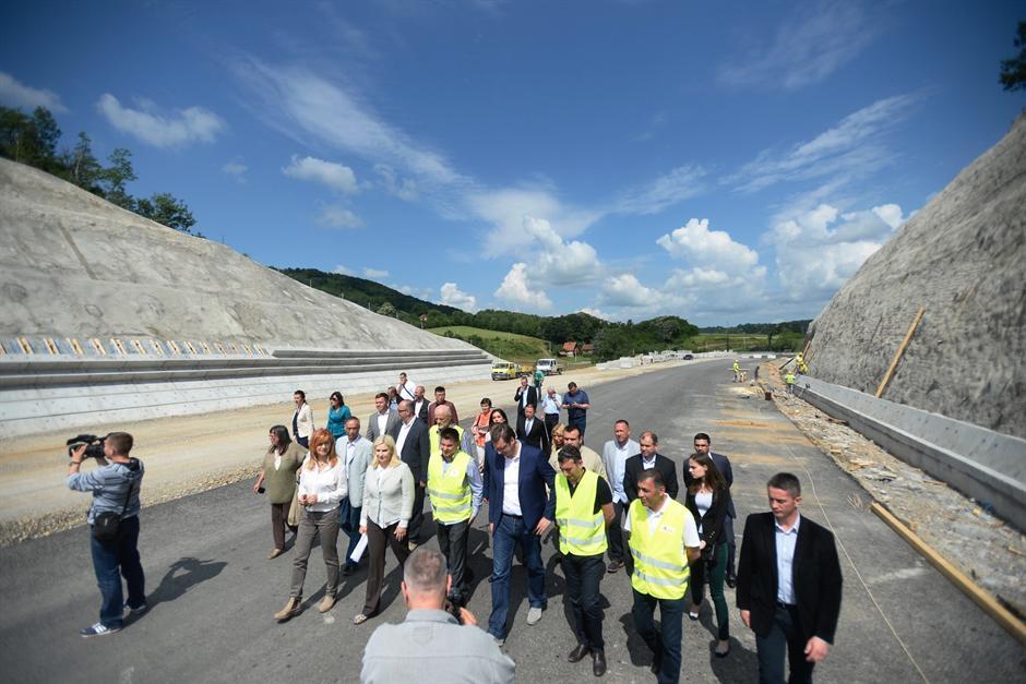 Vučić posetio gradilište autoputa Ljig – Preljina
