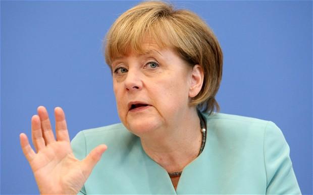 Angela Merkel, pod pritiskom da zaoštri stav prema migrantima