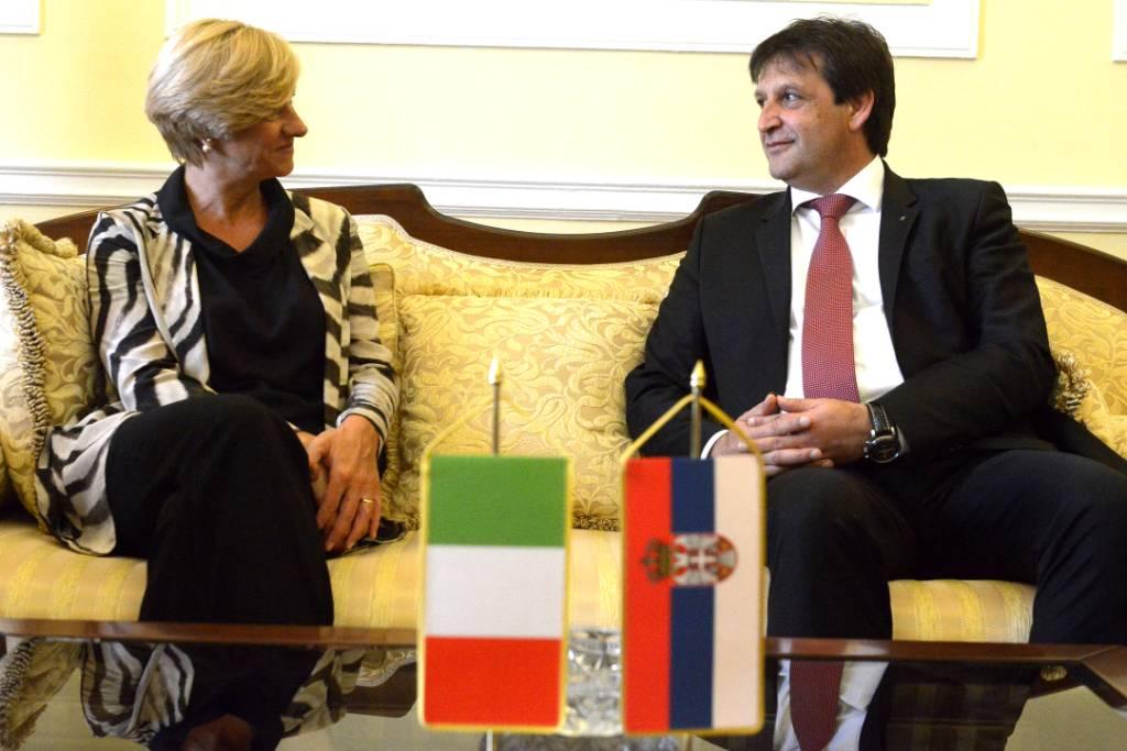 POSETA MINISTARKE ODBRANE ITALIJE ROBERTE PINOTI
