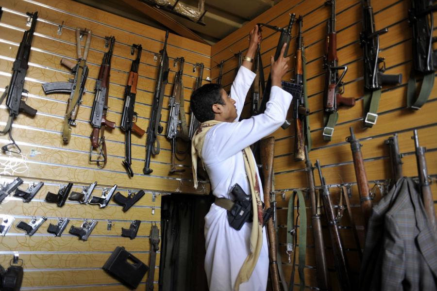 Na balkanskoj pijaci oružja kalašnjikov vredi između 300 i 500 evra