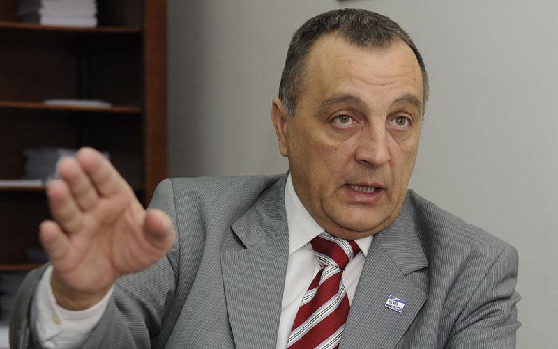 Poslanik Zoran Živković zalaže se za izjednačavanje izborne kampanje