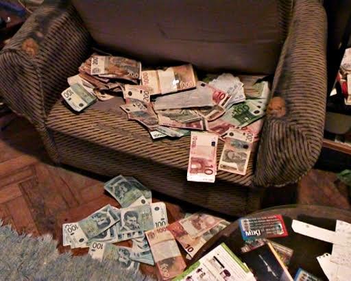 UHAPŠENI PLJAČKAŠI BANKE