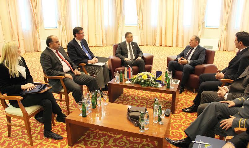 Sarajevo: Ministri Stefanović i Mektić potpisali su Protokol o saradnji dva ministarstva u oblasti forenzičkih ispitivanja i veštačenja