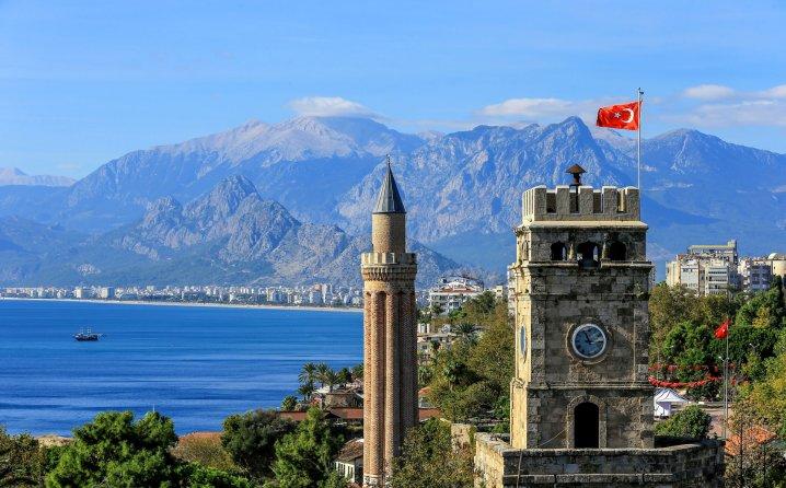 RUSI SPAŠAVAJU TURSKI TURIZAM